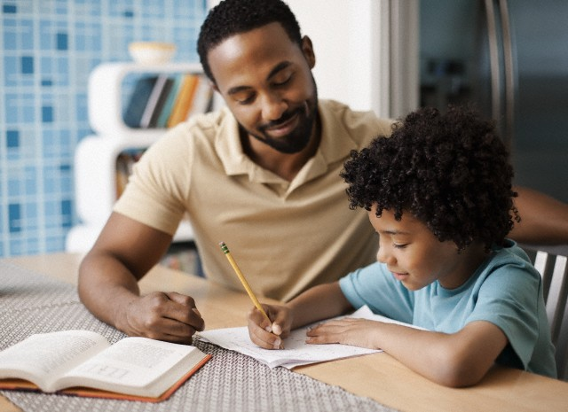 How you can effectively help your child with homework